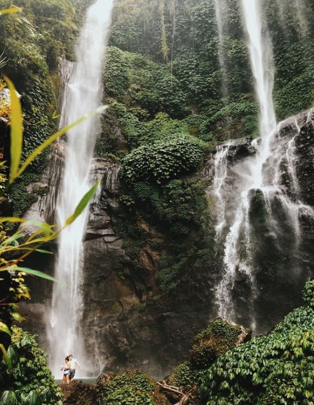 debtfreeclimb bali waterfall